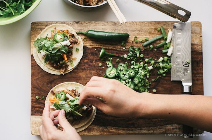 Banh mi taco recipe i am a food blog i am a food blog if you have all the ingredients sitting in your fridge these tacos are a breeze to make up i used some left over pulled pork as the meat but feel free to forumfinder Gallery
