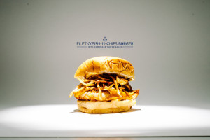fish and chips burger recipe - www.iamafoodblog.com