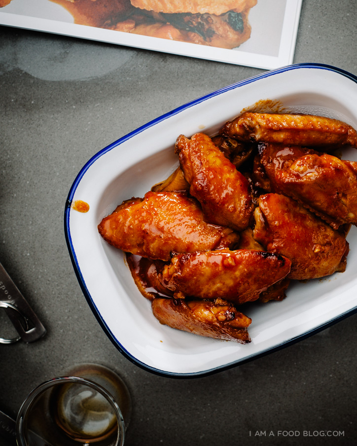 sriracha honey hot wings recipe - www.iamafoodblog.com