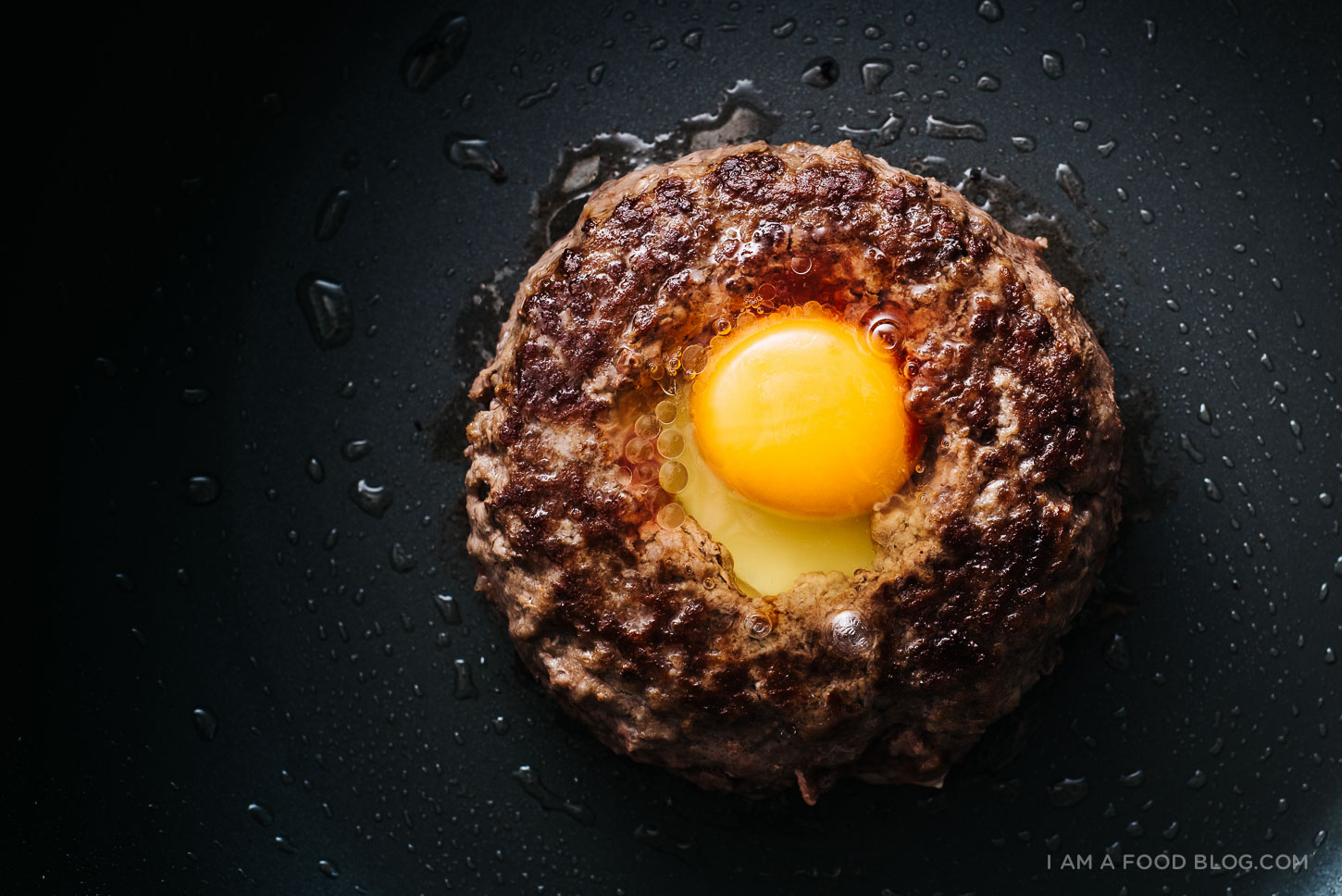 egg in a hole burger recipe - www.iamafoodblog.com