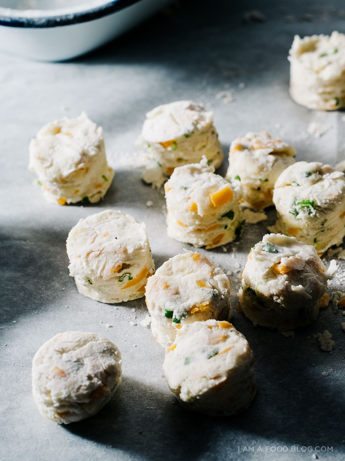 mini biscuits and gravy-3