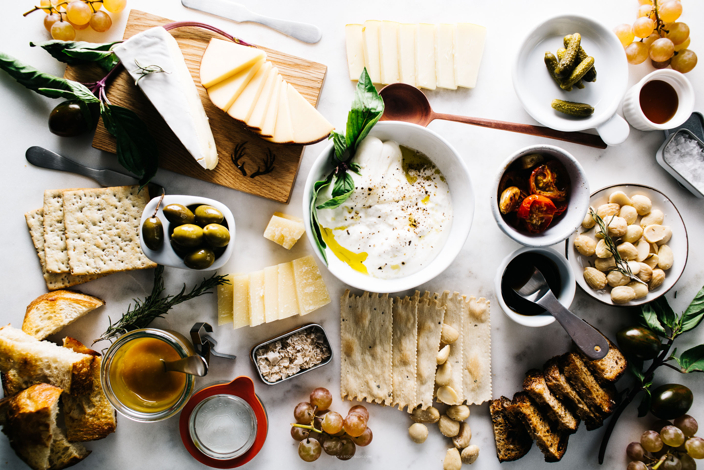 how to make the ultimate cheese plate - .iamafoodblog.com & How to make the Ultimate Cheese Platter · i am a food blog i am a ...