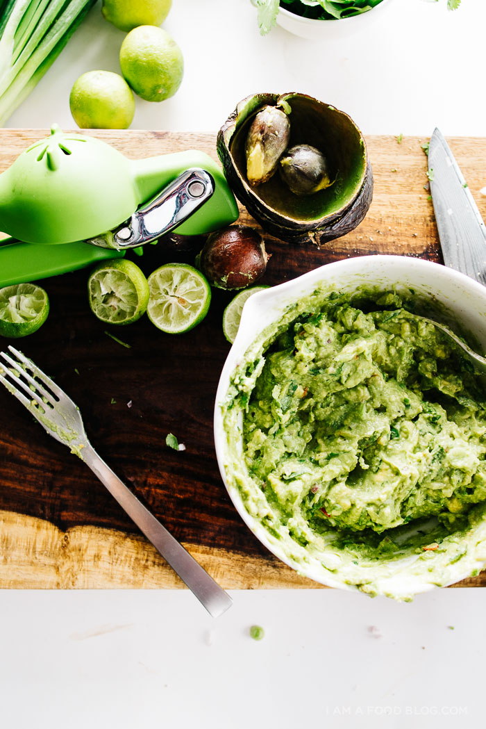 how to make guacamole - www.iamafoodblog.com