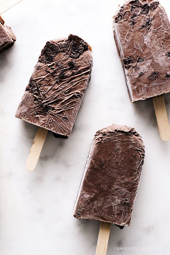 brownie fudgsicle pops recipe - www.iamafoodblog.com