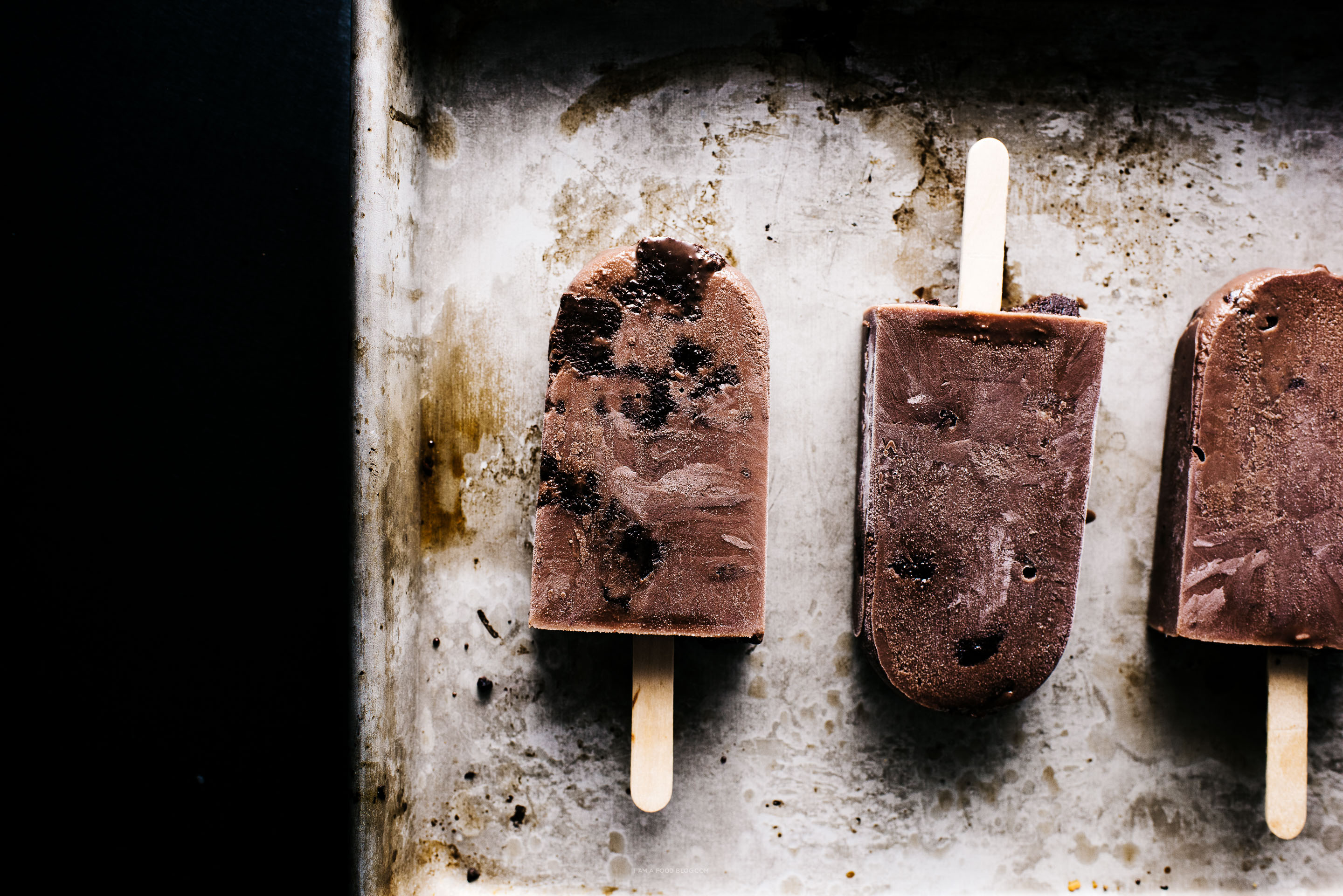 brownie fudgesicle pops recipe - www.iamafoodblog.com