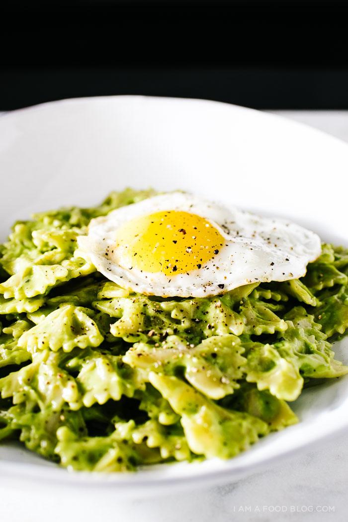 avocado pasta recipe - www.iamafoodblog.com