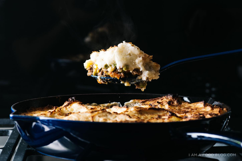 shepherd's pie garlic mash recipe - www.iamafoodblog.com