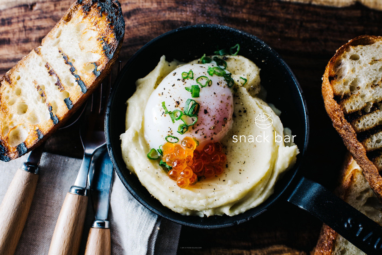 poached egg on potatoes recipe - www.iamafoodblog.com