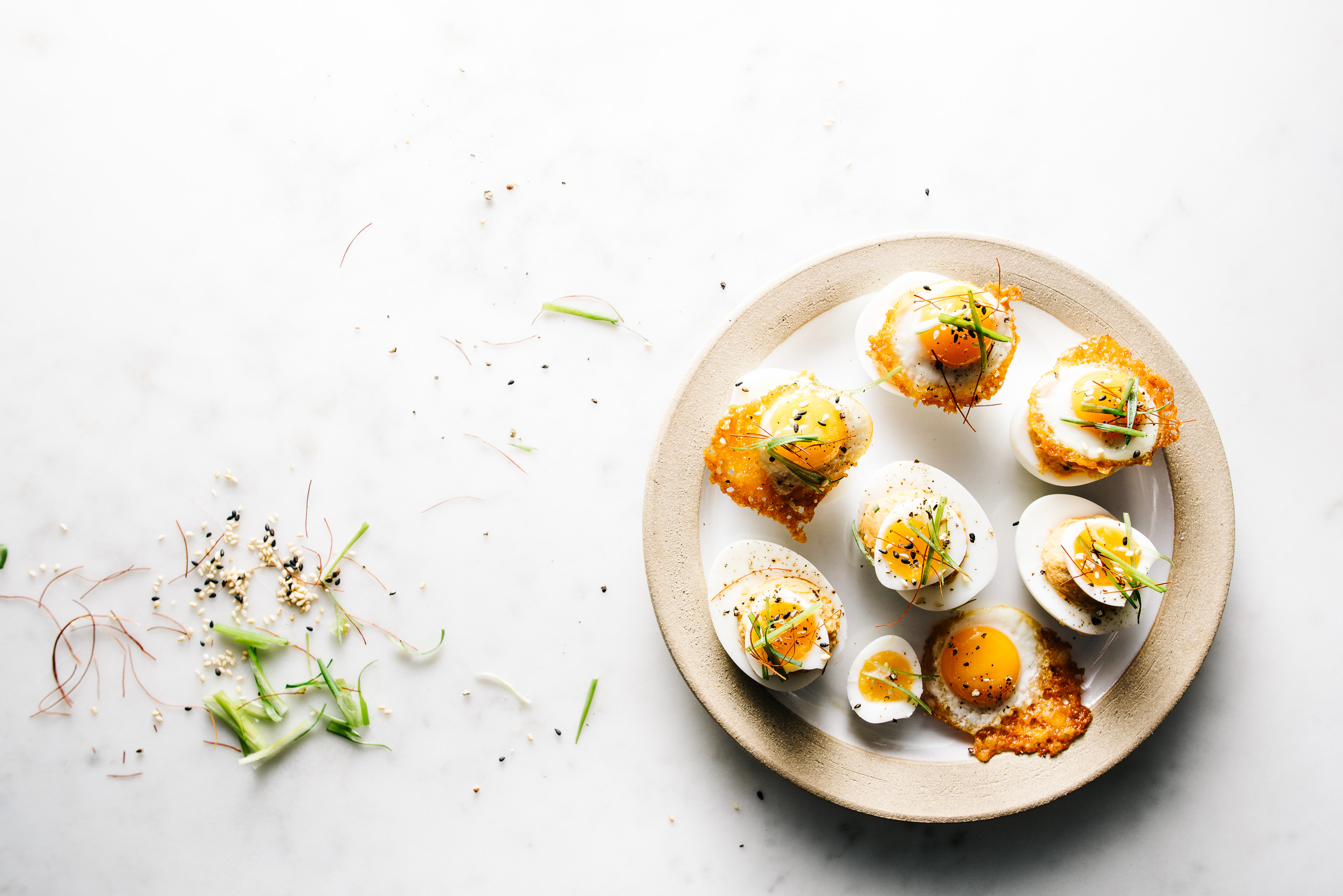 spicy korean deviled eggs - www.iamafoodblog.com