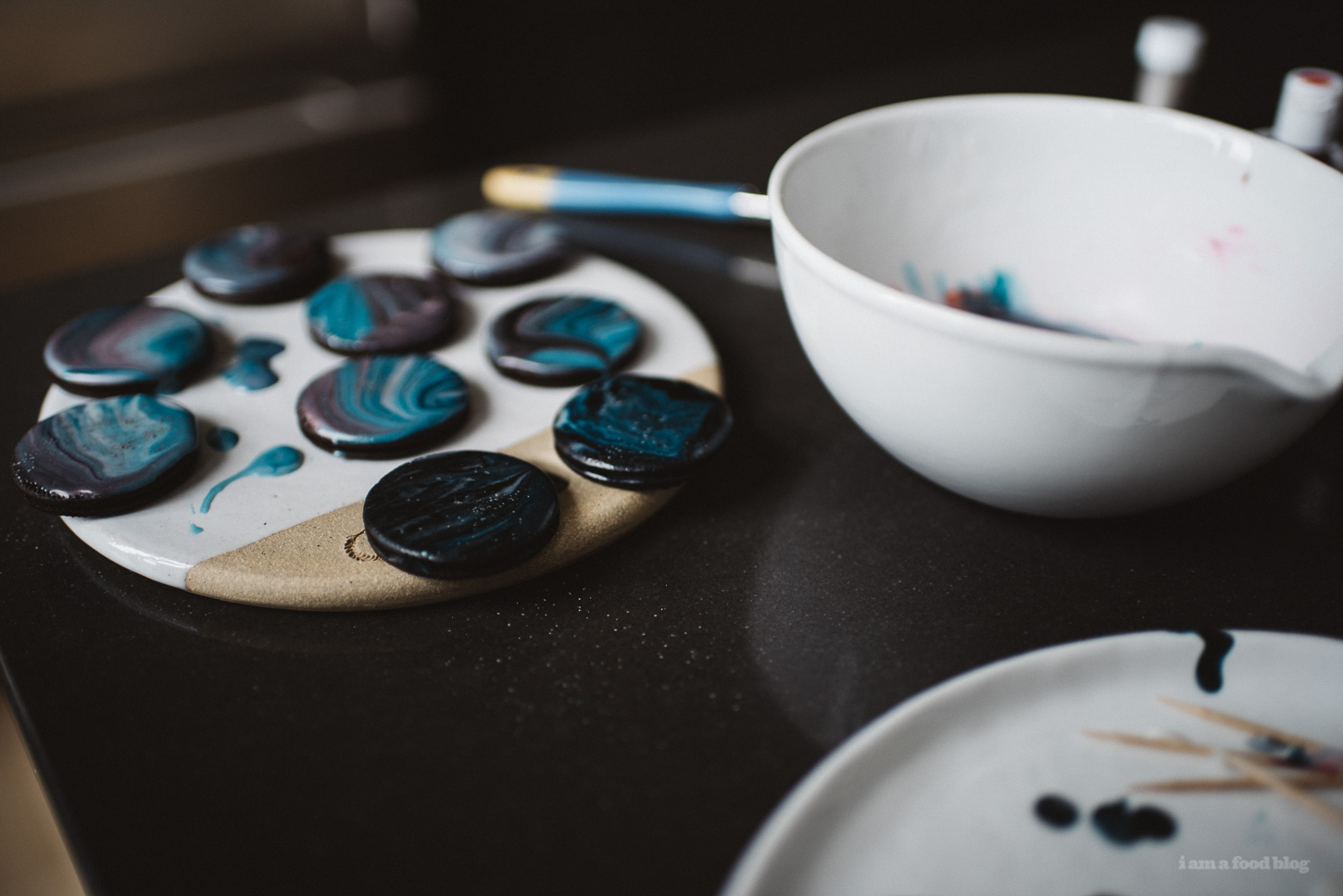 how to make galaxy glaze - www.iamafoodblog.com