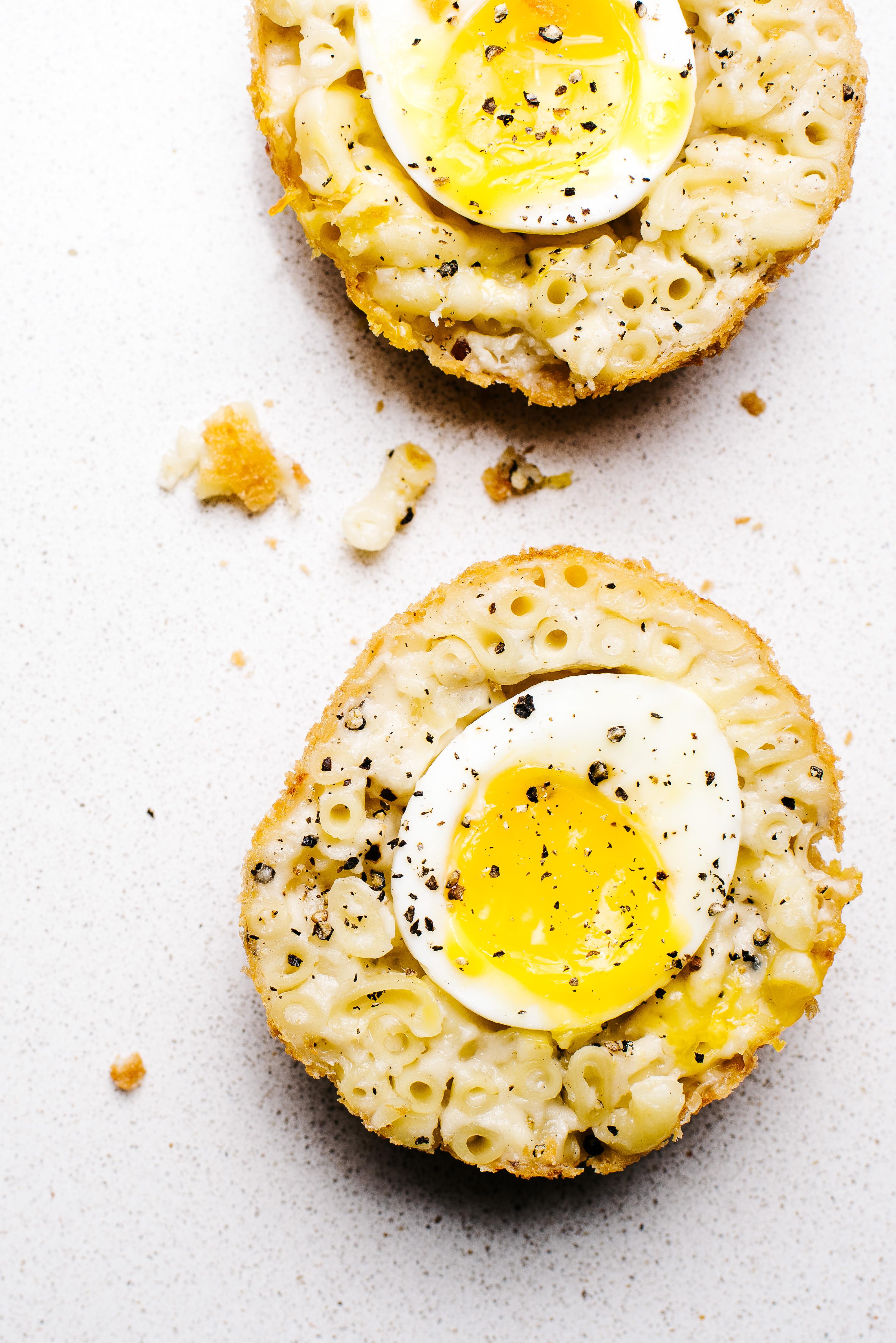 Mac and Cheese Scotch Eggs - www.iamafoodblog.com