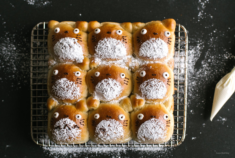 Totoro Pull-Apart Buns - www.iamafoodblog.com