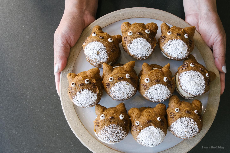 pumpkin totoro whoopie pies tutorial - www.iamafoodblog.com