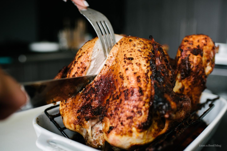 juicy roast turkey - www.iamafoodblog.com