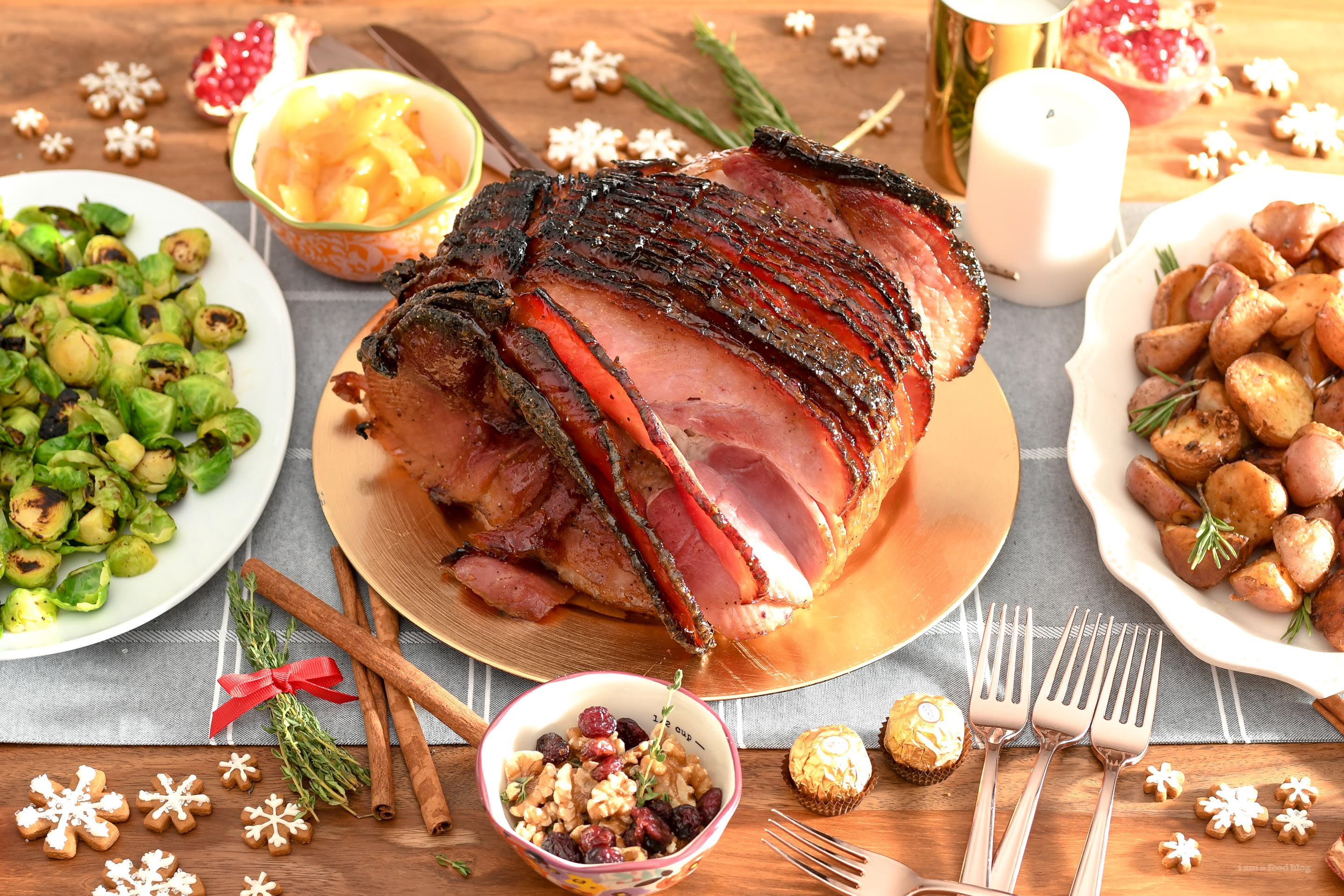 Christmas Ham Recipes.Honey Glazed Spiral Sliced Ham Recipe