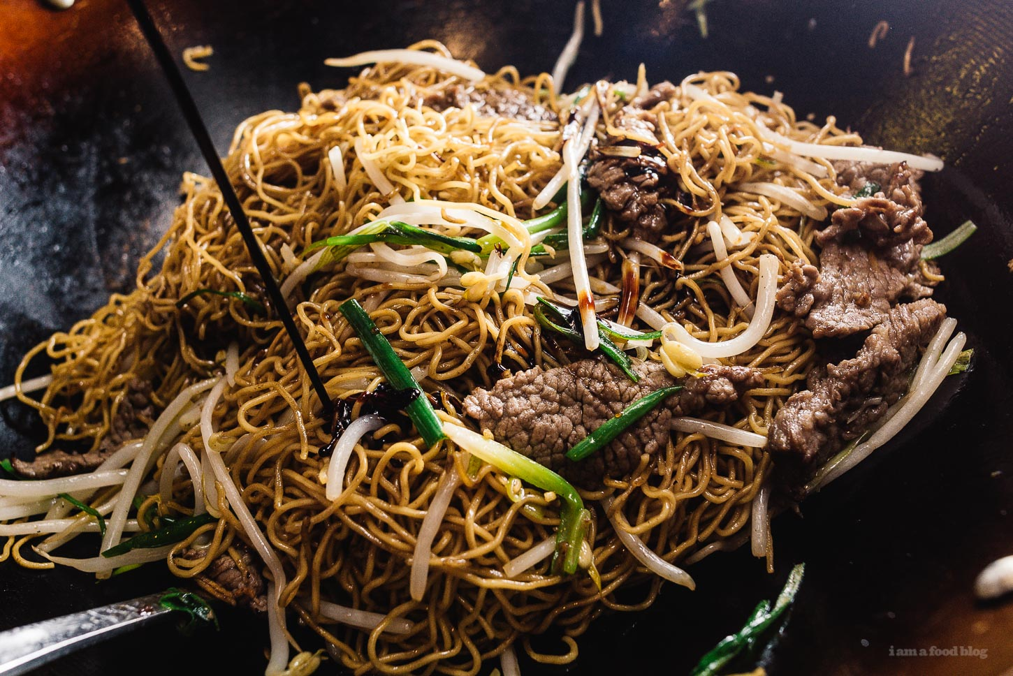 The difference between light and dark soy sauce and a soy sauce chow easy soy sauce chow mein recipe iamafoodblog forumfinder Image collections