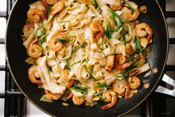 Easy 15 Minute Garlic Shrimp Scampi Chow Fun Noodles Recipe | www.iamafoodblog.com