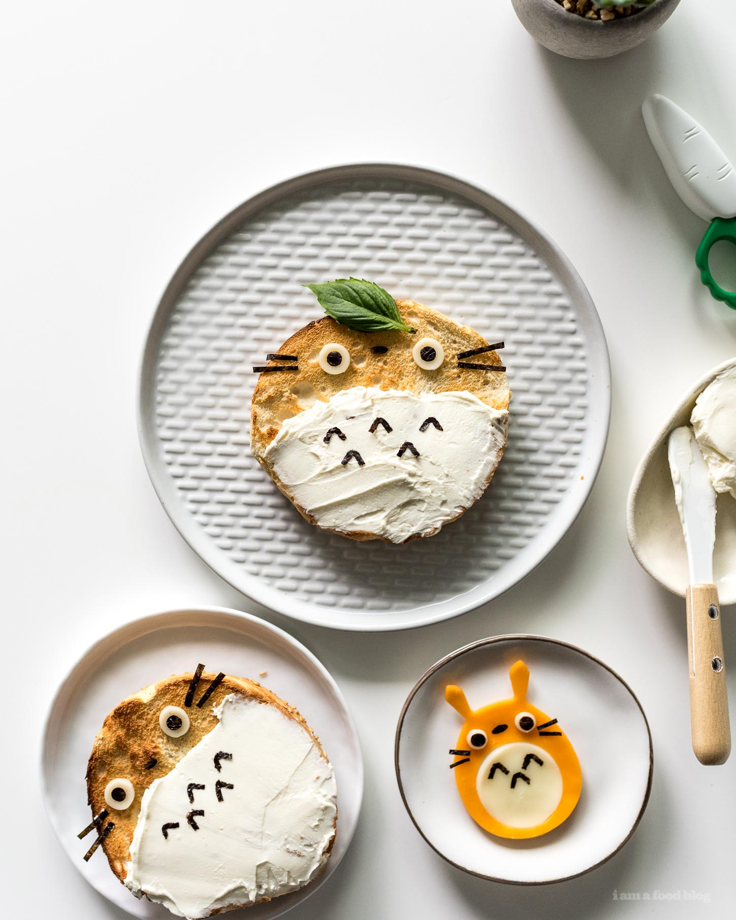 How to Make a Totoro Cream Cheese Bagel | www.iamafoodblog.com