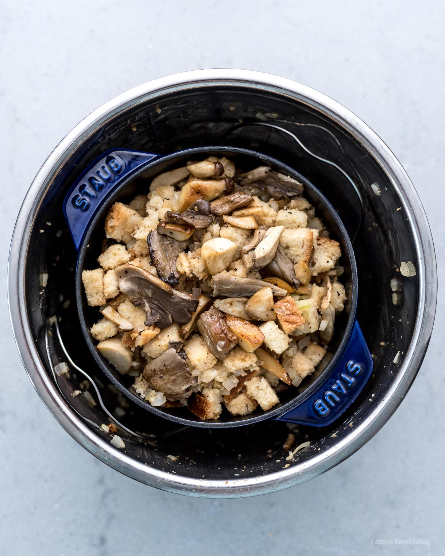 5 Ingredient 15 Minute Instant Pot Mushroom and Onion Stuffing | www.iamafoodblog.com