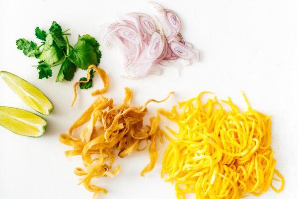 toppings for khao soi | www.iamafoodblog.com