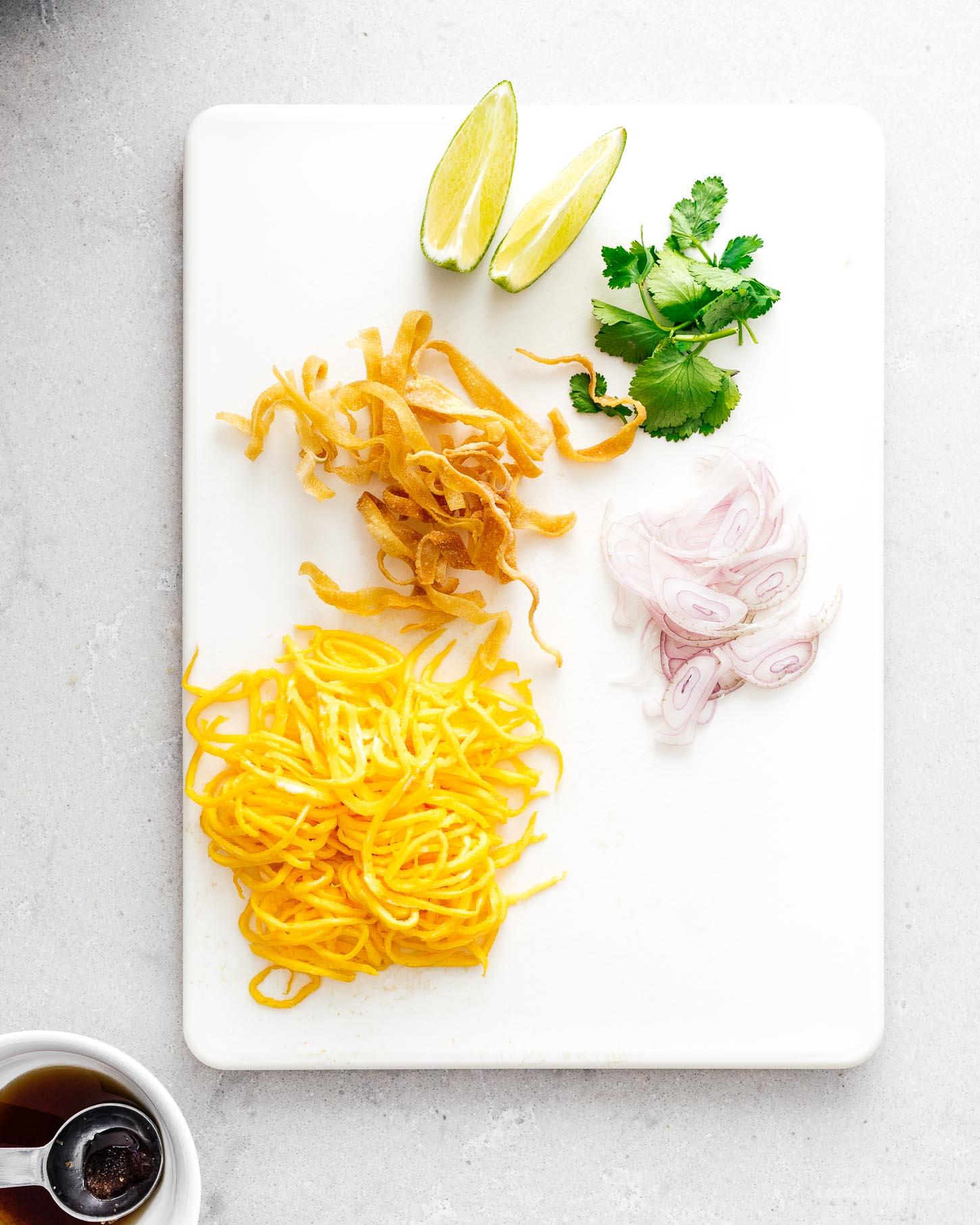 khao soi thai coconut curry noodle soup   i am a food blog