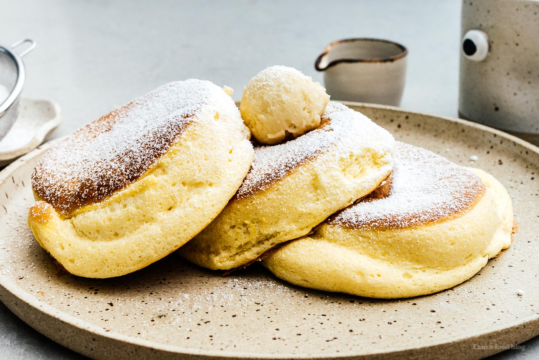 souffle pancake   www.iamafoodblog.com