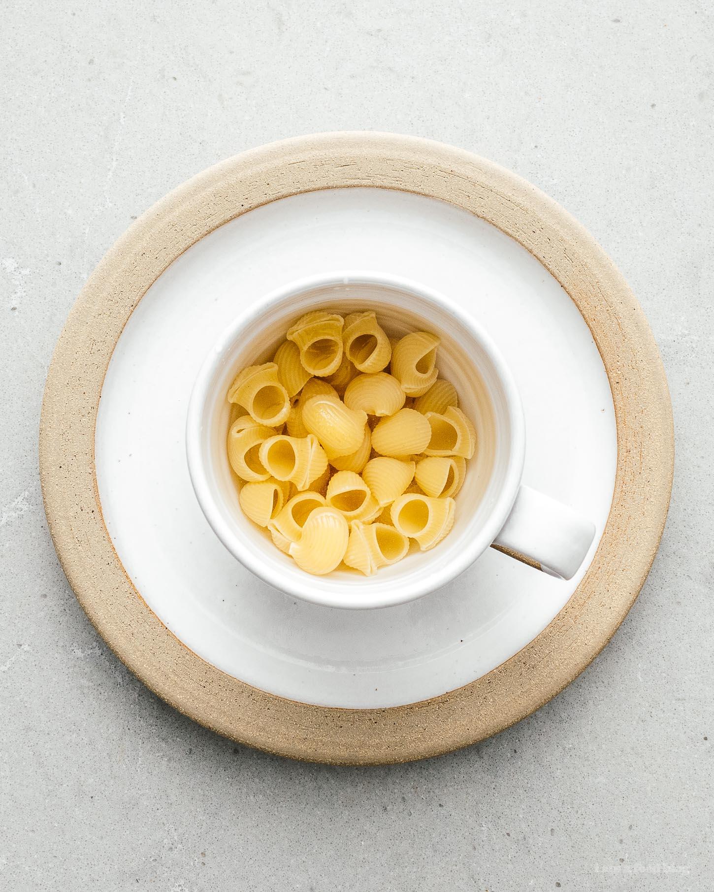 Dorm Room Microwave Mug Mac & Cheese   www.iamafoodblog.com