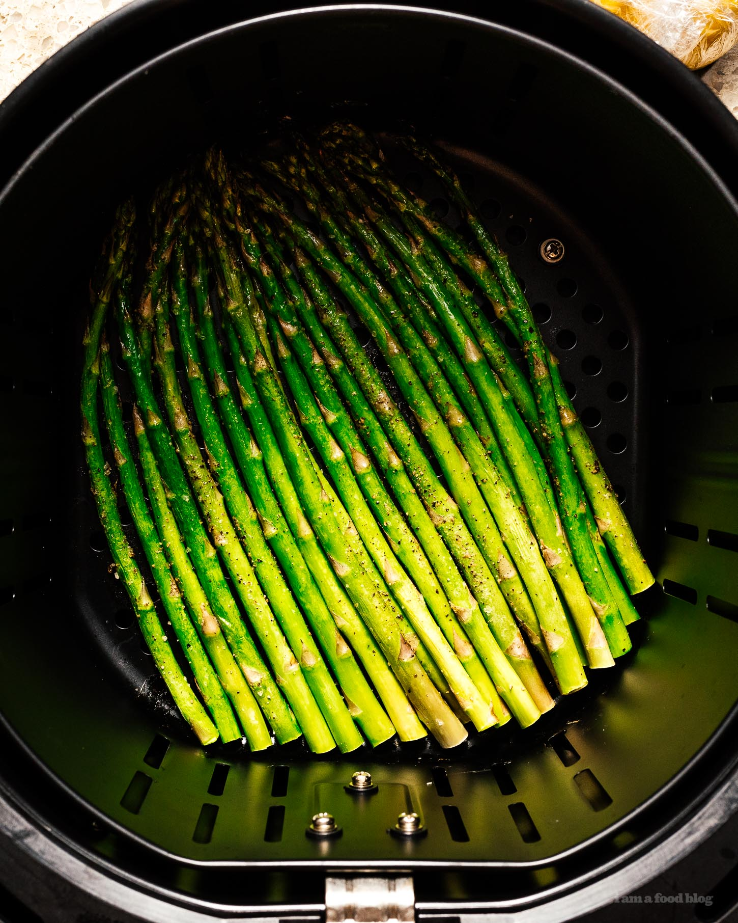 Easy Roasted Air Fryer Asparagus | www.iamafoodblog.com