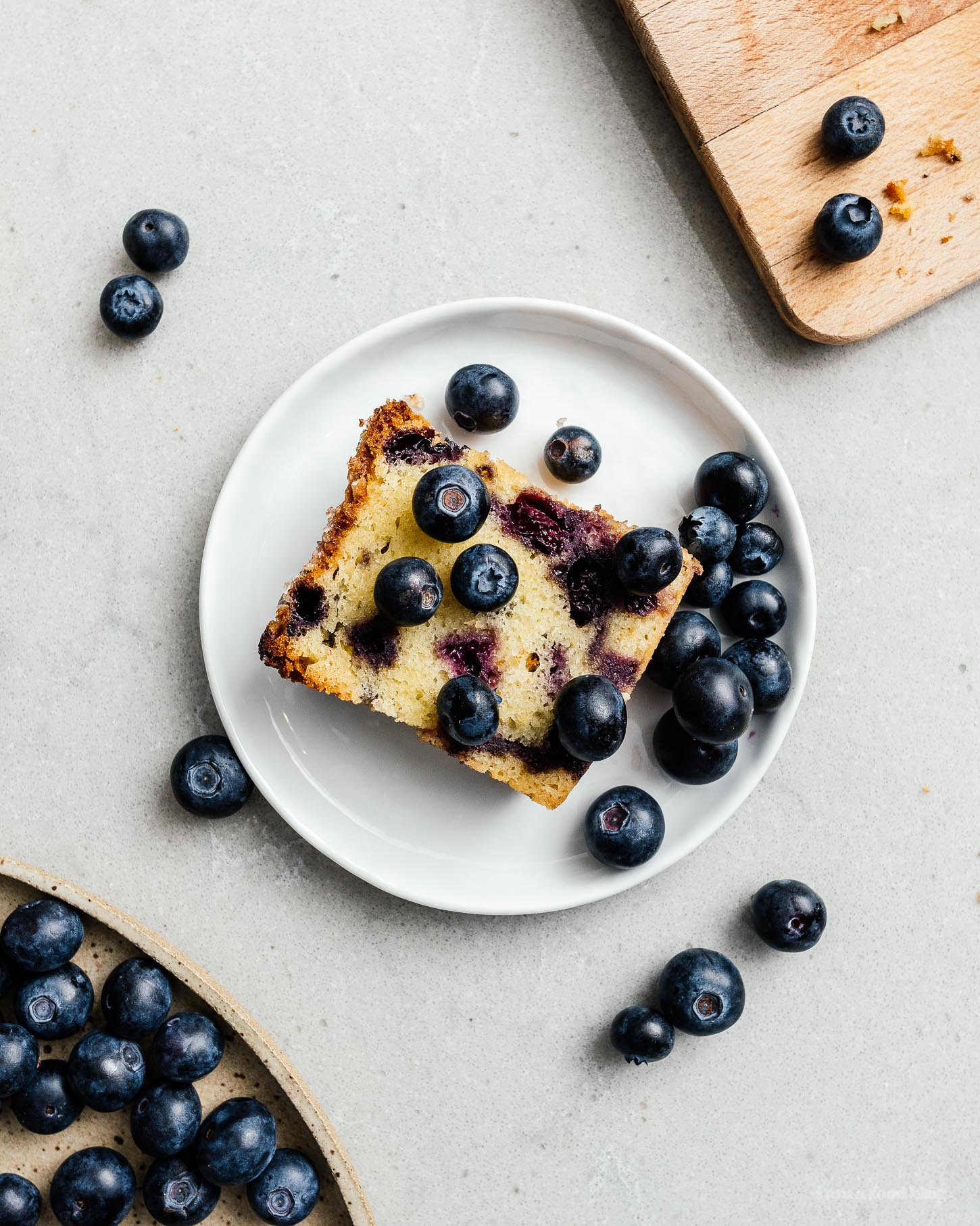 One bowl, soft and moist, blueberry bread loaded with blueberries – like muffins but even easier. #blueberries #blueberrybread #blueberrymuffins #recipes #baking