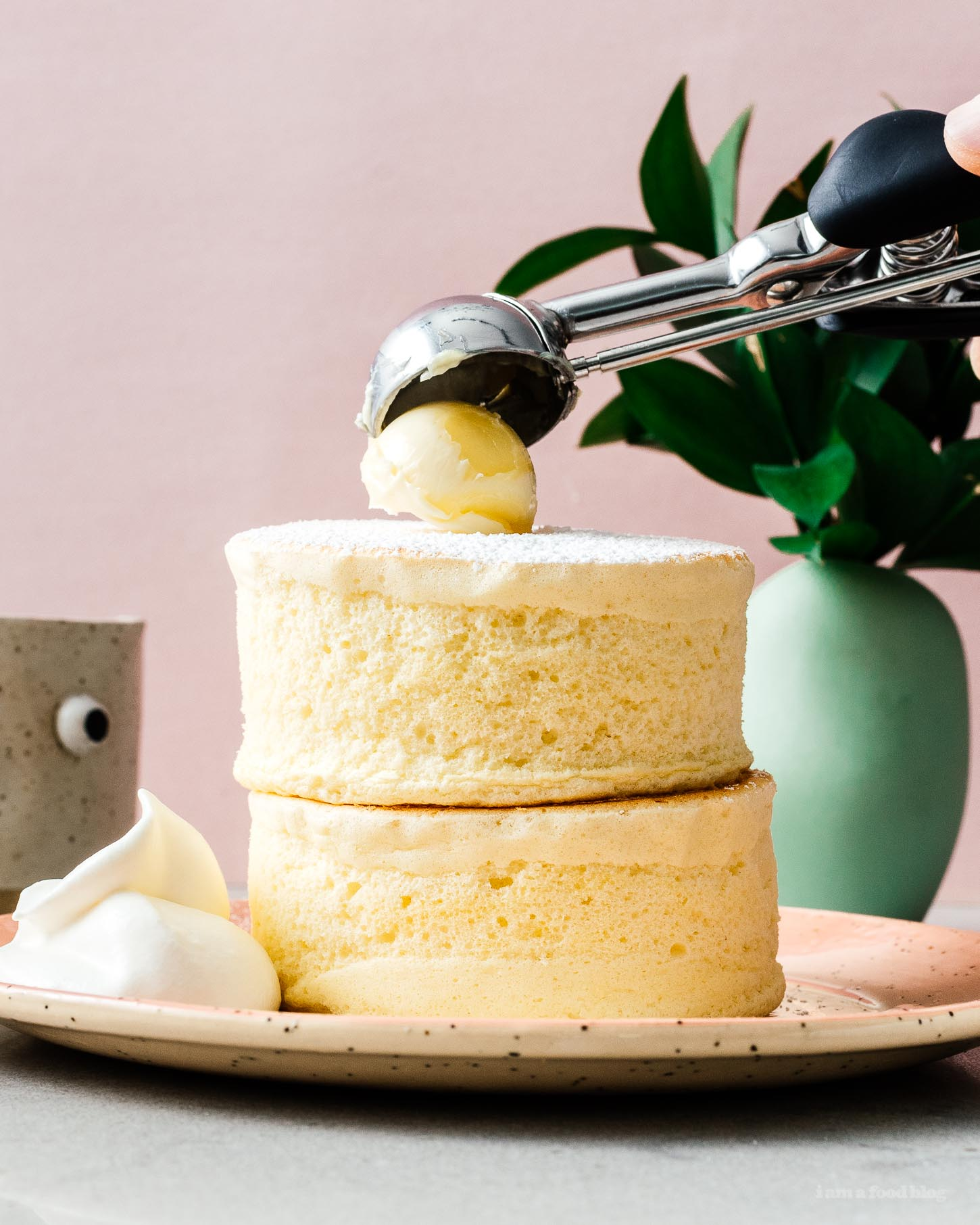 Skip the flight to Japan and make Gram Pancake extra tall fluffy Japanese soufflé pancakes right at home. #soufflepancake #pancakes #japanese #recipe #grampancakes