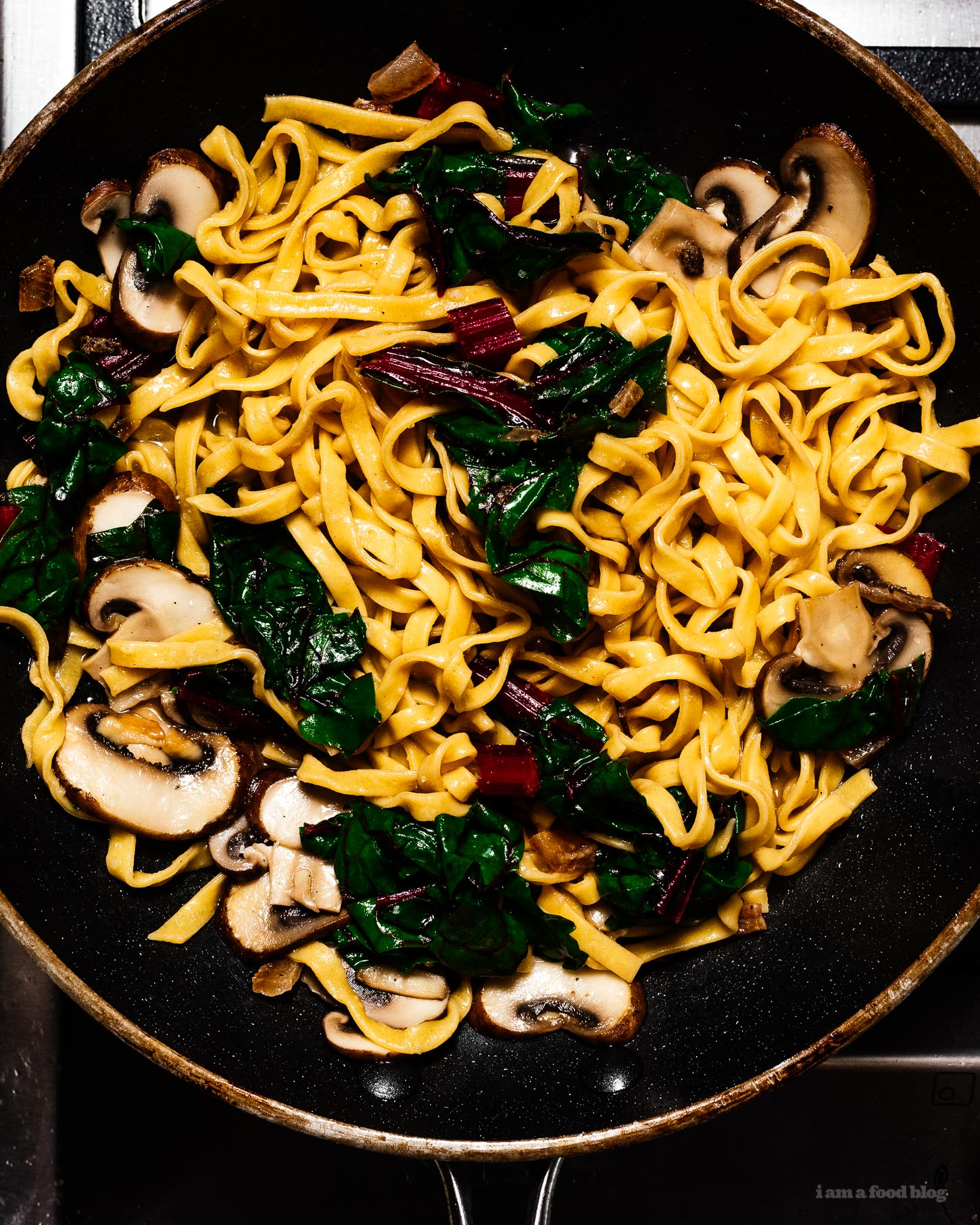 Tips and tricks for making the best weeknight pasta of your life | www.iamafoodblog.com