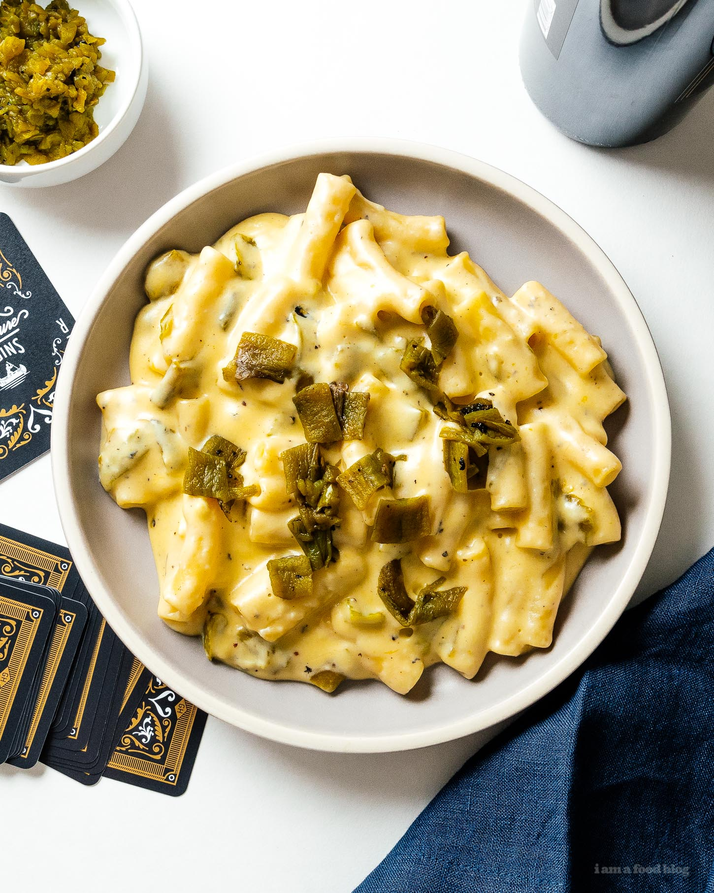 Creamy, spicy, comforting hatch green chile mac and cheese. Perfect for warming you up the coming fall days. #macandcheese #dinner #dinnerrecipes #cheese #comfort #comfortfood #hatchchile #greenchile