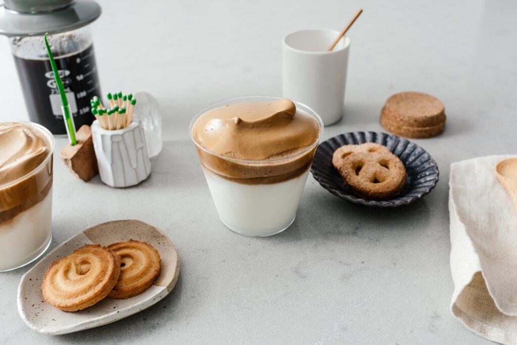 How to make dalgona coffee | www.iamafoodblog.com