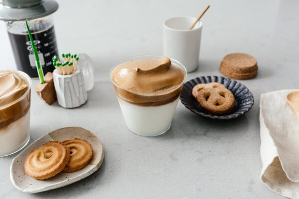 How to make dalgona coffee   www.iamafoodblog.com