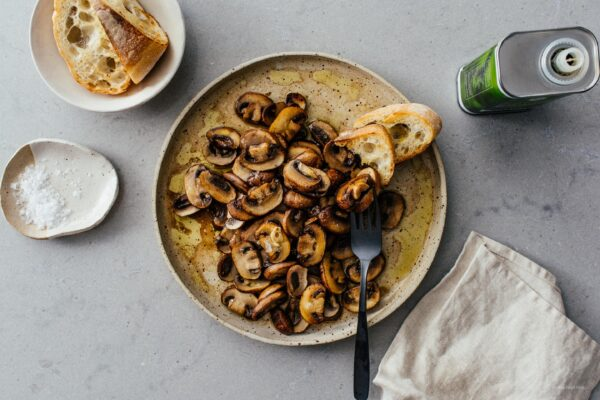 Perfectly Pan-Seared Garlicky Mushrooms | www.iamafoodblog.com