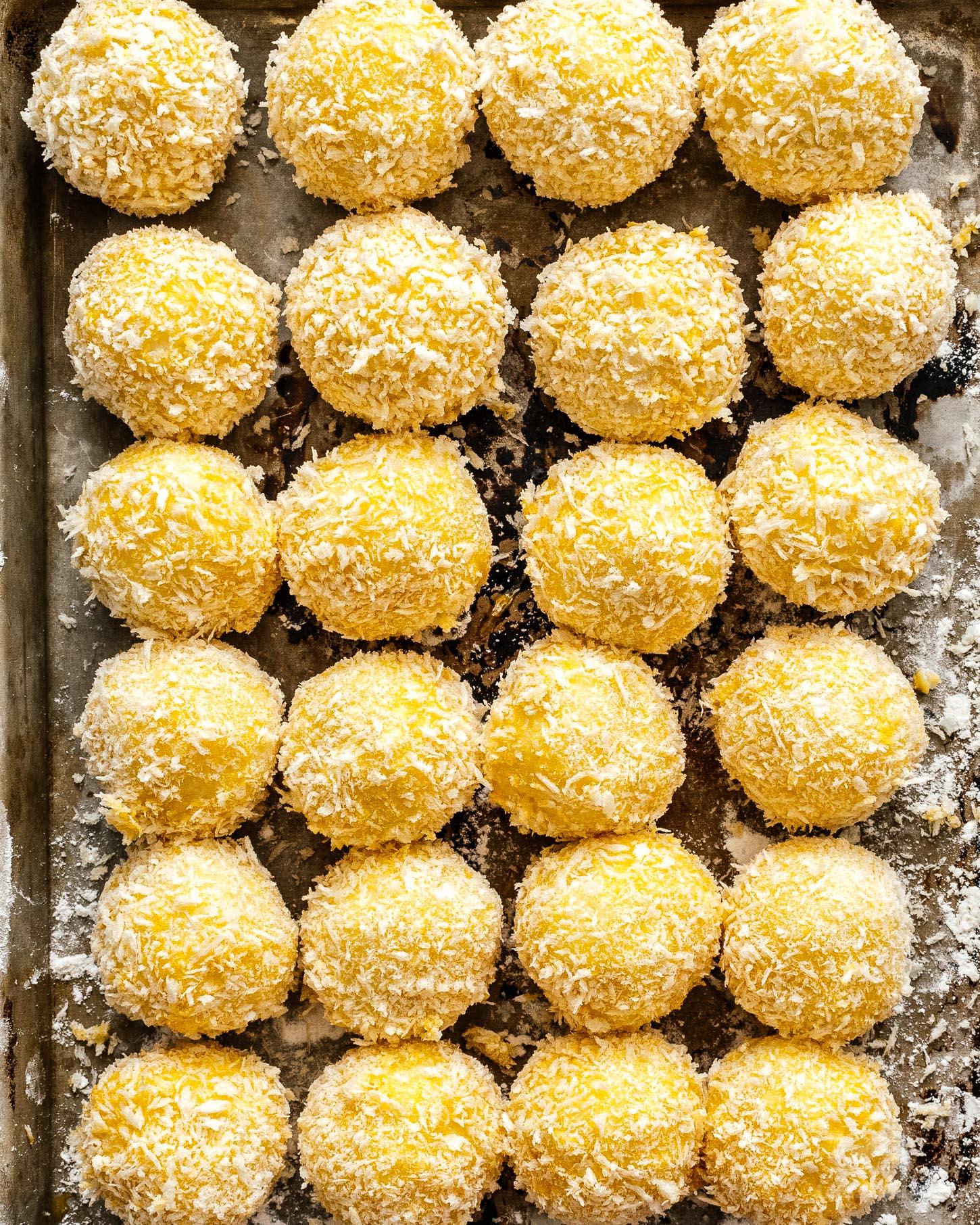How to make Cheesy Potato Balls | www.iamafoodblog.com