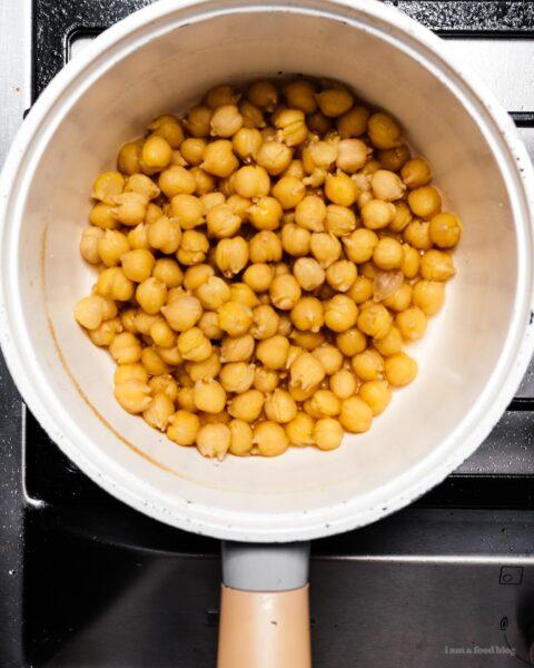 Super Easy Smooth and Creamy Hummus Recipe | www.iamafoodblog.com