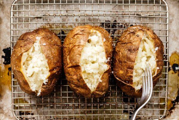 fluffed baked potatoes | www.iamafoodblog.com